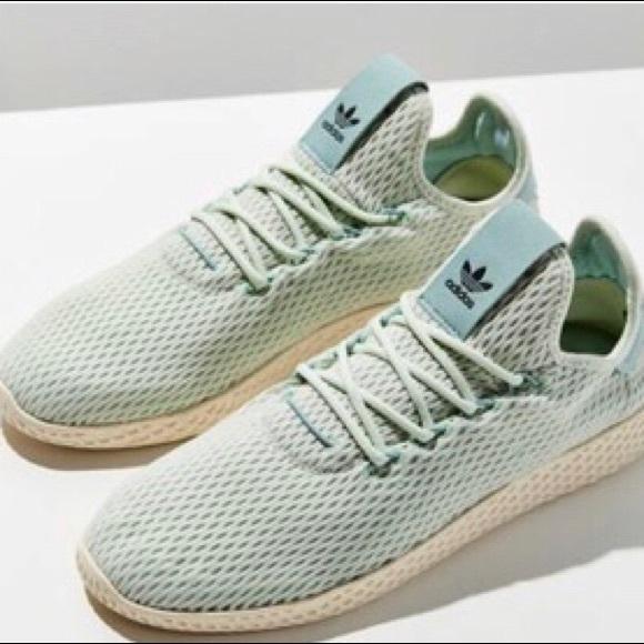 100% authentic b63cd 69091 Adidas Pharrell Williams Tennis HU J - Green